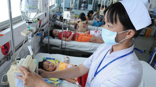 Theo tin tức mới cập nhật trong nước, bệnh sốt xuất huyết ở các tỉnh phía Nam đã chuyển dịch sang người lớn