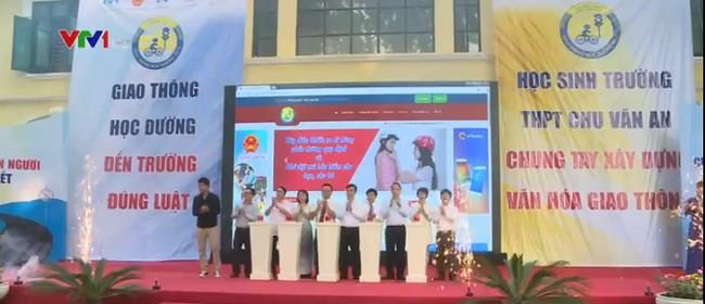 Cuộc thi Giao thông học đường được khai mạc tại trường PTTH Chu Văn An, Hà Nội