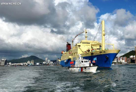 Tàu du lịch Coconut Princess được Trung Quốc dùng để trái phép đưa du khách tới Hoàng Sa, tin tức mới cập nhật quốc tế