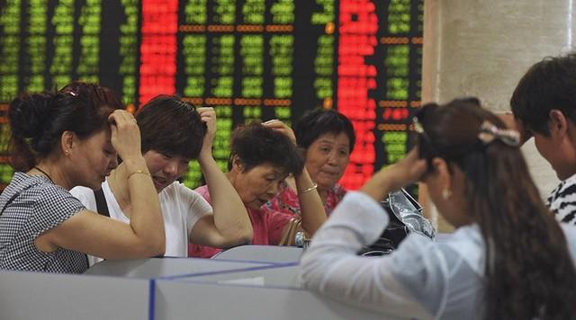 Tâm trạng lo lắng của những người tham gia thị trường chứng khoán Trung Quốc, theo tin tức mới cập nhật quốc tế