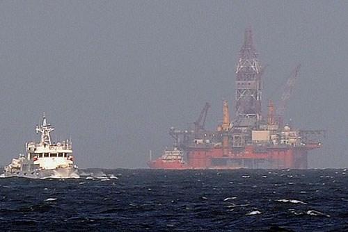 Giàn khoan Hải Dương-981 hạ đặt trái phép trên vùng biển Việt Nam hồi tháng 5/2014