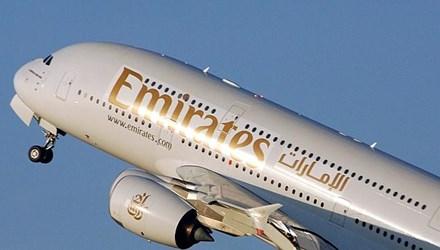 Máy bay chở hơn 500 người hạ cánh khẩn vì trục trặc kỹ thuật
