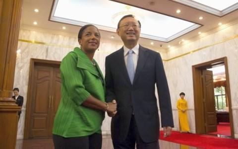 Cố vấn An ninh Quốc gia Mỹ Rice (trái) và ông Dương Khiết Trì