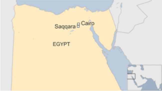 Saqqara cách thủ đô Cairo 35 km về phía Nam, nơi có các kim tự tháp cổ nhất Ai Cập (