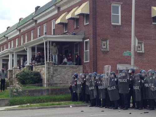 Những cuộc nổi loạn của thanh niên đã mau chóng biến thành bạo loạn trong ngày hôm nay