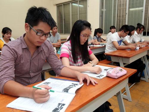 tin tức mới cập nhật ngày 28/11: Giờ học tiếng Anh tại một trường ĐH ở TP.HCM chiều 9/10