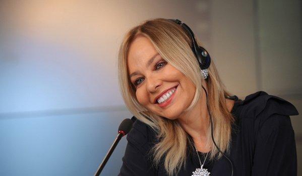 Nữ ca sĩ người Ý suýt phải ngồi tù vì muốn đi ăn tối với ông Putin