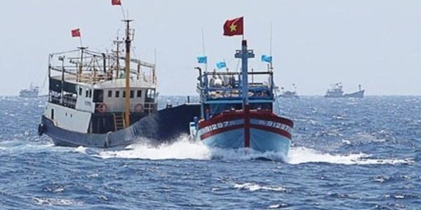 tin tức mới nhất Bộ đội Biên phòng Đà Nẵng vừa tiến hành truy đuổi một tàu cá Trung Quốc đánh bắt sâu trong vùng biển Việt Nam