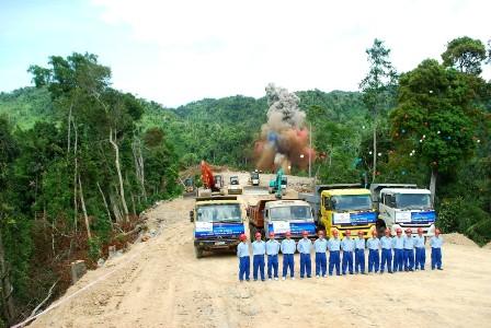 Thủy điện Sông Bung 4 có tổng mức đầu tư gần 5.000 tỉ đồng, theo tin tức pháp luật online trong ngày