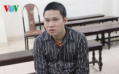 Trong những tin tức pháp luật mới nhất hôm nay gồm vụ đối tượng đi trộm gỗ sưa ở Thanh Hóa