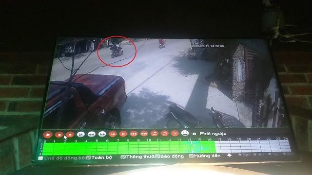 Trong những tin tức pháp luật mới nhất hôm nay có vụ  chiếc xe máy kẹp 3 thanh niên đã bỏ trốn khỏi hiện trường
