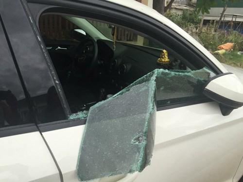 Trong những tin tức pháp luật mới nhất hôm nay có vụ đập bể kính xe Audi, lấy sạch tiền, giấy tờ