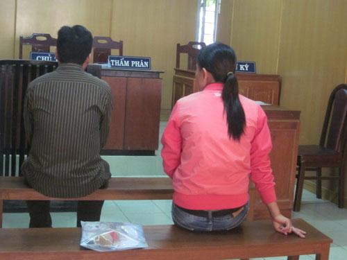 Những tin tức pháp luật mới nhất hôm nay đề cập đến vụ thư ký tòa án làm giả quyết định ly hôn ở Quảng Ninh