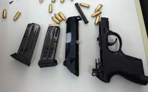 Trong những tin tức pháp luật mới nhất hôm nay có vụ vận chuyển súng trái phép