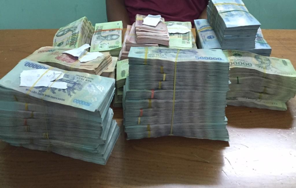Những tin tức pháp luật mới nhất đề cập nhiều đến các vụ trộm cắp tài sản lên tới hàng tỷ đồng