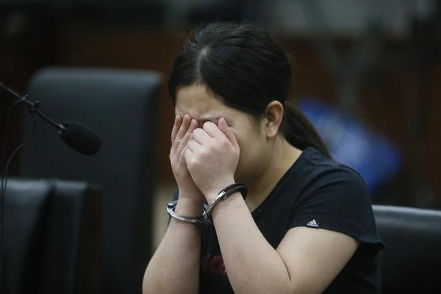 Những tin pháp luật mới nhất hôm nay đề cập đến vụ mẹ nhẫn tâm giết con vì cuộc sống quẫn bách