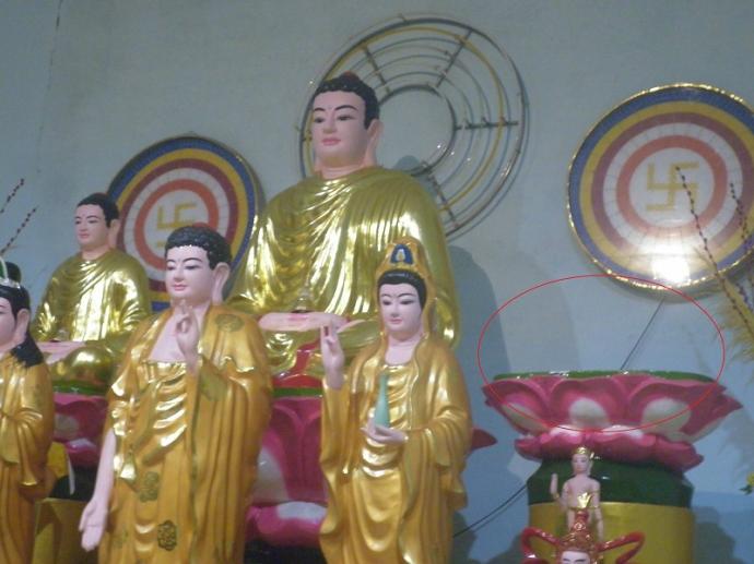 Những tin pháp luật mới nhất hôm nay đề cập đến vụ Tượng Phật hơn 200 năm tuổi, nặng 100kg bị mất trộm trong đêm