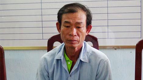 Đối tượng Nguyễn Văn Na ra đầu thú tại cơ quan công an