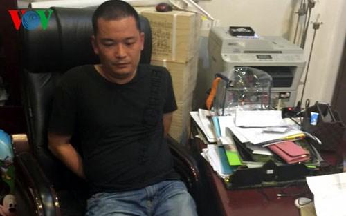 Những tin tức pháp luật mới nhất hôm nay đề cập đến vụ 2 người Trung Quốc dùng thẻ ngân hàng giả rút hàng trăm triệu đồng