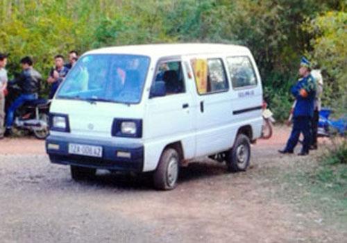 Chiếc xe nơi người dân phát hiện xác ông Phúc, theo những tin tức pháp luật mới nhất