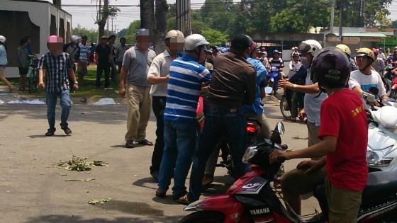 Những tin pháp luật mới nhất hôm nay đề cập đến việc Bình Thuận khởi tố vụ gây rối trên quốc lộ 1A