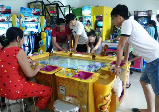 Những tin pháp luật online trong ngày đề cập đến vụ công an TPHCM triệt phá ổ cờ bạc núp bóng trò chơi máy bắn cá