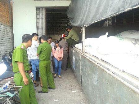 Bắt giữ xe tải chở đường và thuốc lá ngoại nhập lậu là một trong những tin pháp luật 24h qua