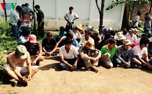 Trong những tin tức pháp luật mới nhất hôm nay có vụ bắt 59 đối tượng đá gà ăn tiền ở Tiền Giang