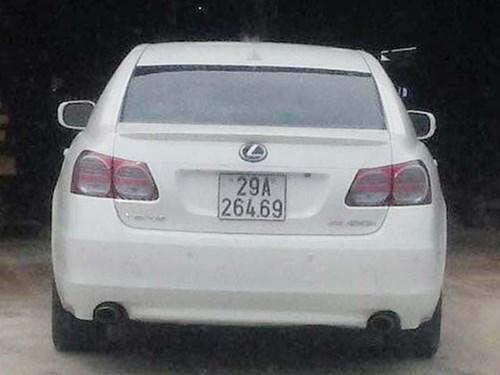 Xe Lexus GS450h gắn biển số giả