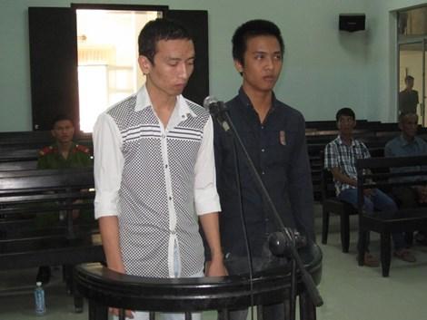 Bị cáo Hậu và Tuấn tại tòa, theo tin tức pháp luật mới nhất hôm nay