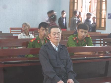 tin tức pháp luật mới nhất: Bị cáo trong buổi xét xử