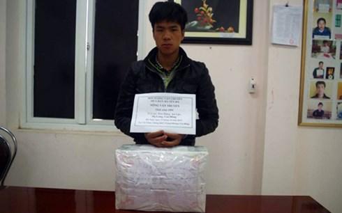 Đối tượng cùng tang vật 9 kg ma túy đá bị bắt giữ