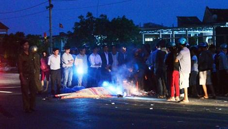 tin tức tai nạn giao thông mới nhất, thanh niên va chạm với xe máy rồi xe ô tô cán chết