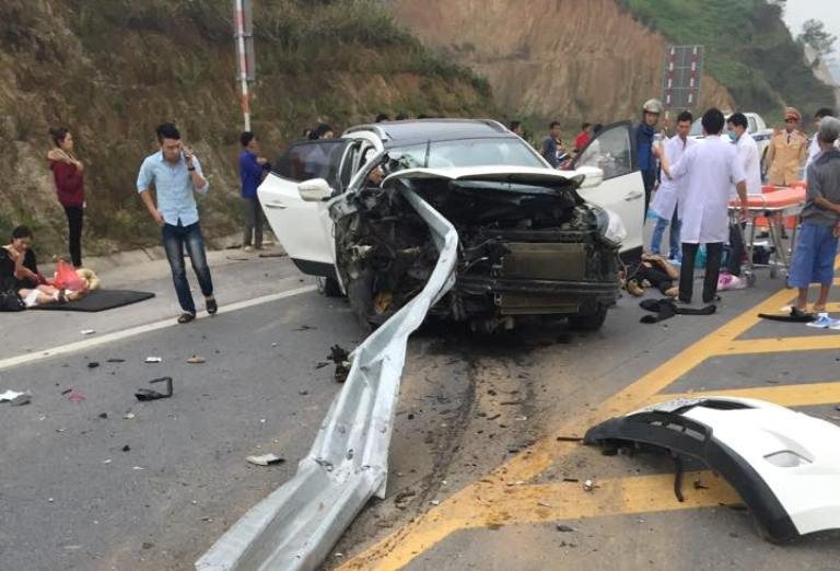 Tin tức tai nạn giao thông mới nhất, hiện trường vụ tai nạn kinh hoàng