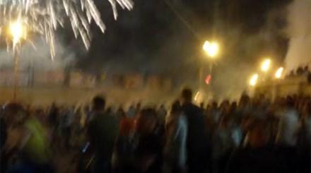 Pháo hoa rơi trúng đám đông, nhiều người thương vong  là một trong những tin tức thời sự nổi bật 24h qua