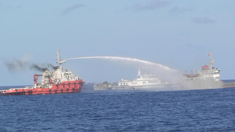 """Chuyên gia tin rằng Nga sẽ không để mặc Trung Quốc """"lộng hành"""" ở Biển Đông"""