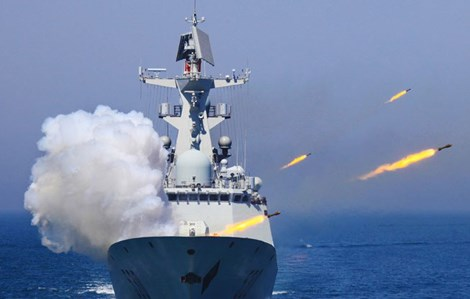 Tình hình Biển Đông căng thẳng sau hàng loạt hành động thị uy quân sự của Trung Quốc