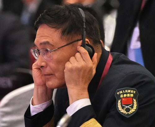 Đại diện Trung Quốc giữ thái độ lảng tránh, không hợp tác khi bị chất vấn về tình hình Biển Đông hiện nay