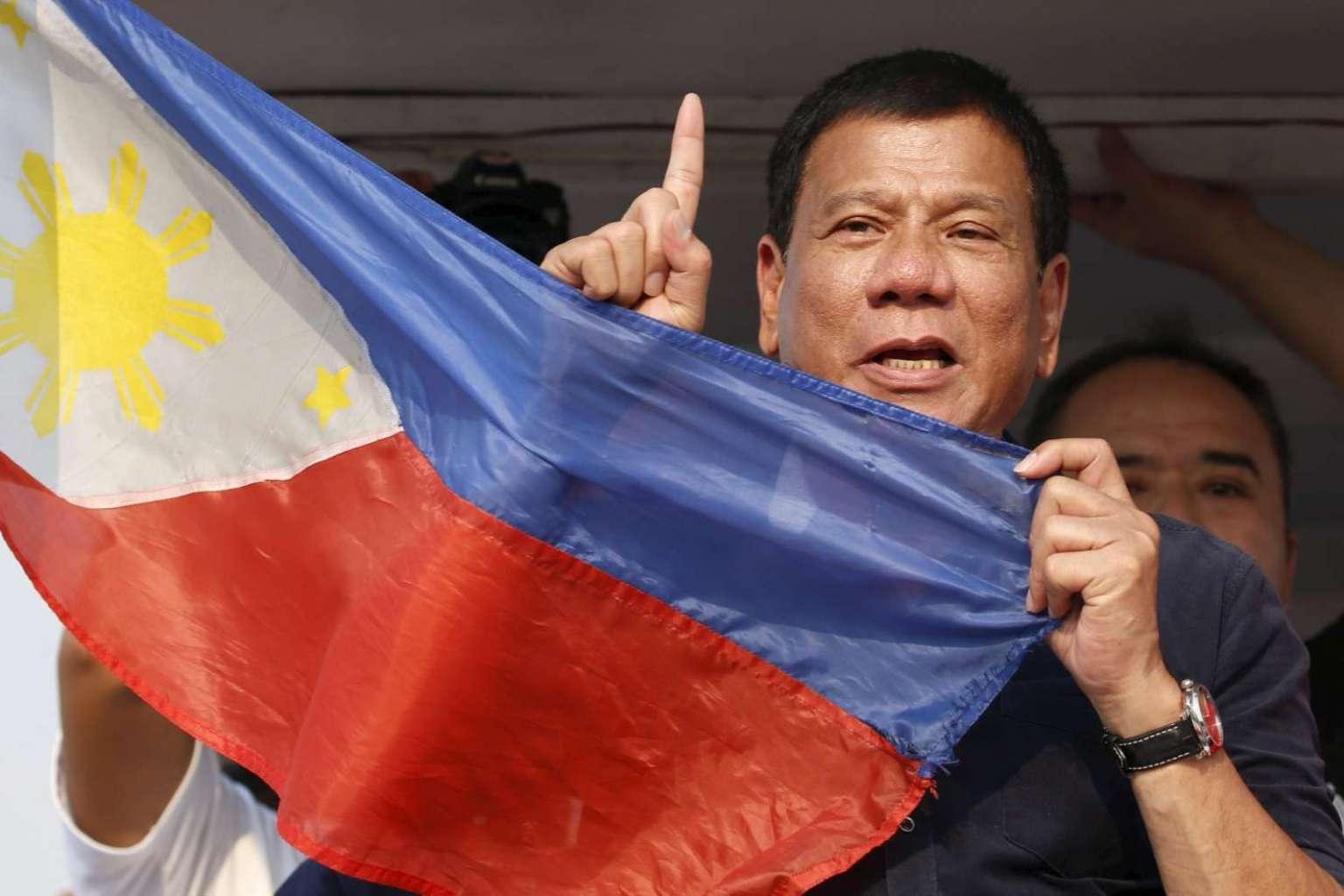 Tân Tổng thống Rodrigo Duterte tuyên bố Philippines sẽ không đánh đổi chủ quyền Biển Đông lấy lợi ích kinh tế từ Trung Quốc