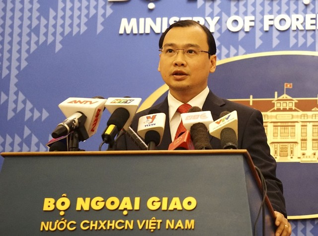 Việt Nam đã chính thức trao công hàm phản đối việc Trung Quốc đưa tên lửa ra Hoàng Sa, một động thái khiến tình hình Biển Đông thêm căng thẳng