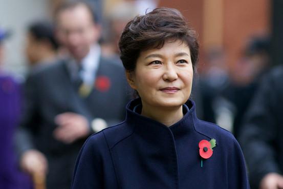 tình hình Biển Đông hiện nay khiến Tổng thống Hàn Quốc Park Geun-hye phải cân nhắc rất kỹ về việc dự lễ duyệt binh của Trung Quốc