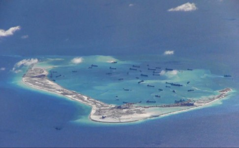 Trung Quốc tiếp tục tăng cường các hoạt động xây dựng phi pháp khiến tình hình Biển Đông thêm căng thẳng bấp chấp bị dư luận quốc tế lên án