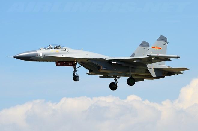 Báo Mỹ khẳng định máy bay Trung Quốc và Mỹ 'suýt va chạm' trên Biển Hoa Đông