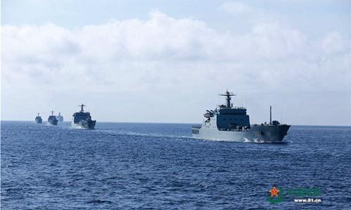 Tàu chiến Trung Quốc tập trận chiếm đảo trên Biển Đông