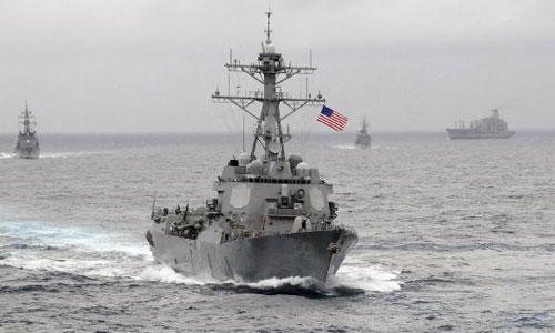 Việc Mỹ  tuần tra quanh các đảo nhân tạo trái phép của Trung Quốc ở Biển Đông thu hút sự chú ý của các nước trong và ngoài khu vực