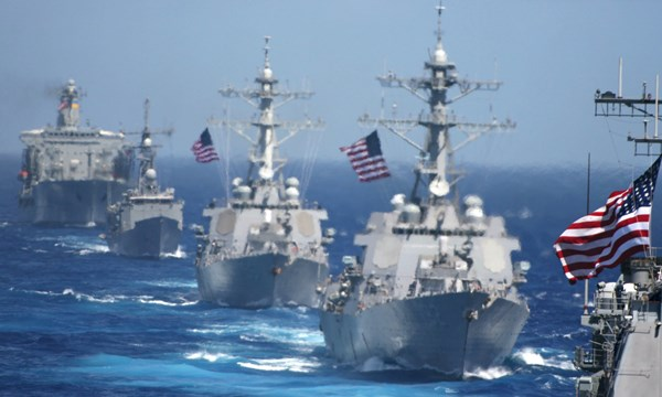 Cùng thời gian này, quân đội Mỹ và Nhật Bản thông báo sắp diễn tập chung trên Biển Đông