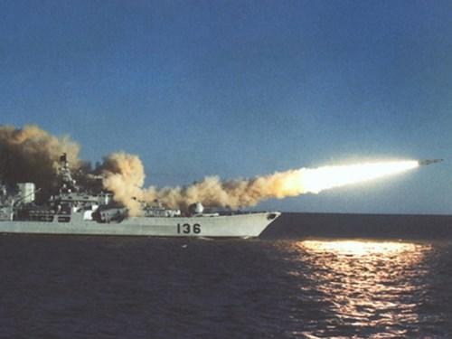 Không chỉ khiến tình hình Biển Đông ngày càng căng thẳng, Trung Quốc còn nhiều lần gây xáo trộn ở biển Hoa Đông