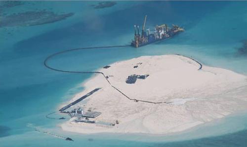 Trung Quốc xây dựng hàng loạt công trình trái phép trên biển Đông