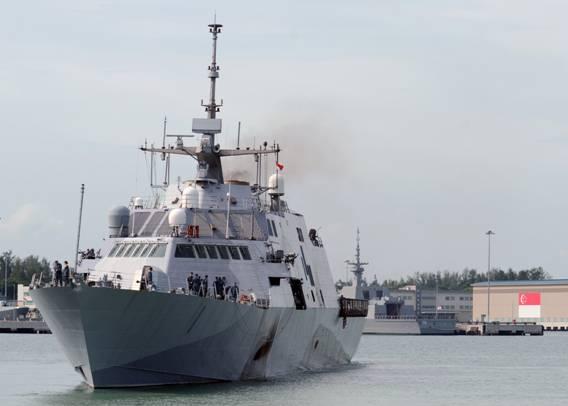 tình hình Biển Đông ngày 30/10: Chiến hạm USS Freedom của Mỹ tại quân cảng Changi của Singapore