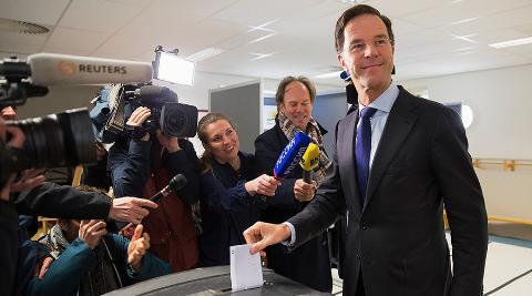 Thủ tướng Hà Lan Mark Rutte tham gia cuộc trưng cầu ý dân ngày 6/4